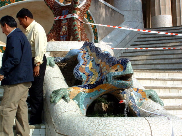 Park_guell02
